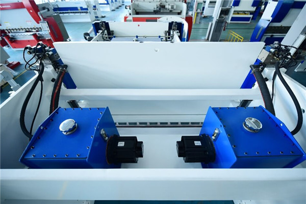 160Tx4000油电混合折弯机